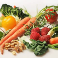 carrot-kale-walnuts-tomatoes_(1)_4