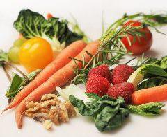 carrot-kale-walnuts-tomatoes_(1)_2